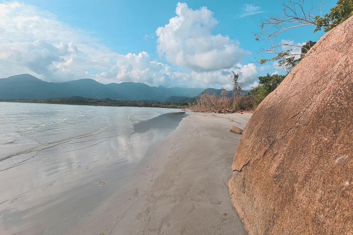 Praia das Bicas em Ubatuba